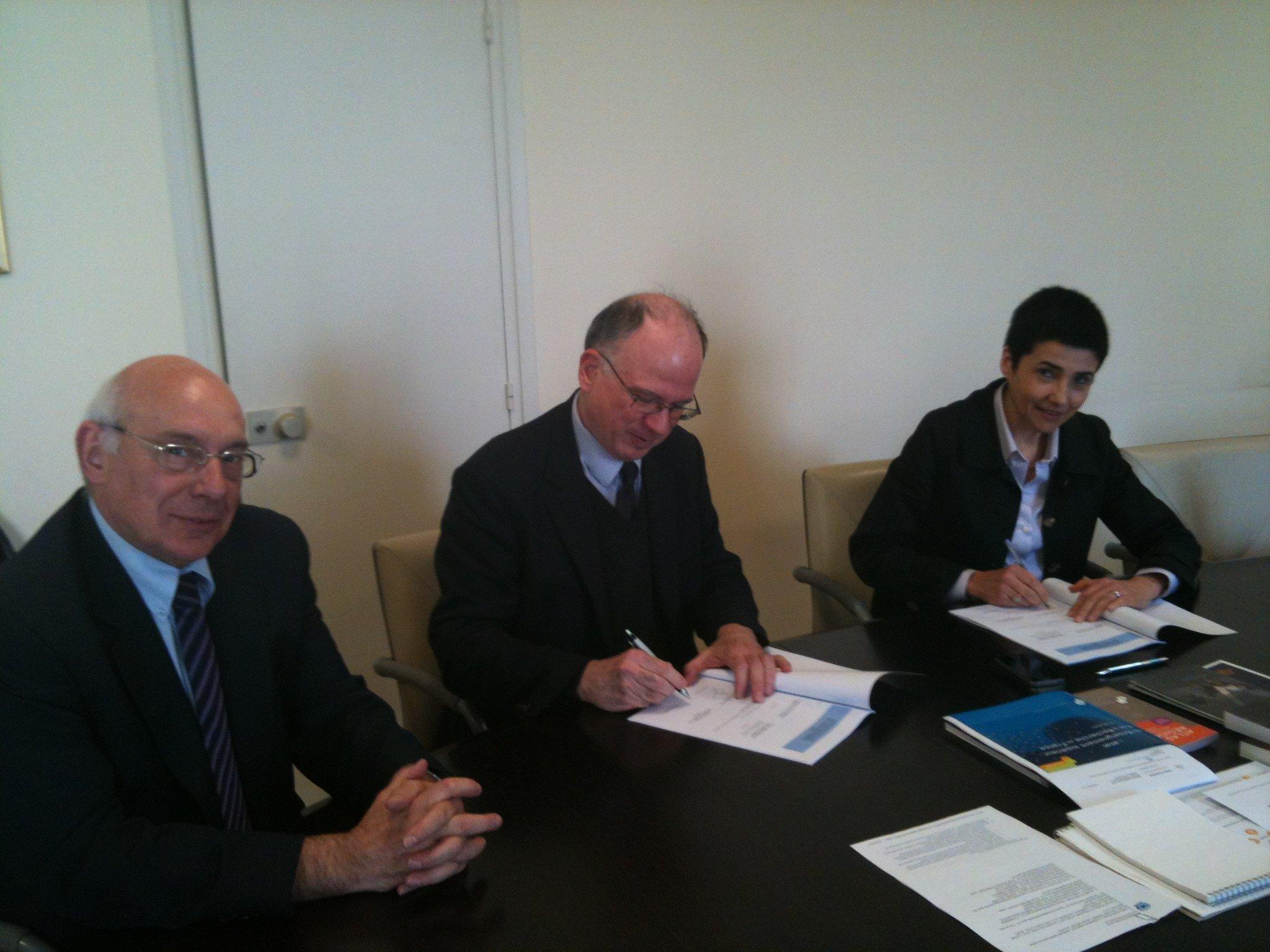 Signature contrat quinquennal